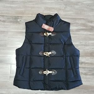 NWT Arizona Jeans Co. puffer vest Lg